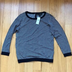 ANN TAYLOR SIZE SMALL NWT SWEATER